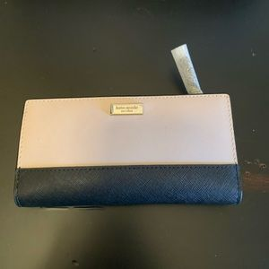 NWT Kate Spade Stacy Laurel Way wallet